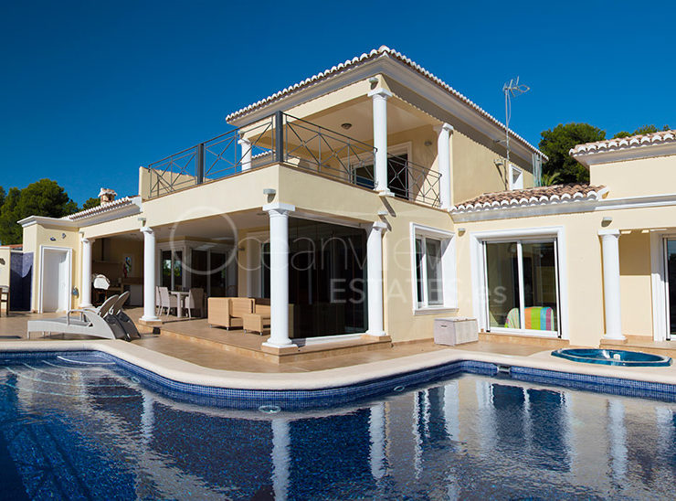 Luxury 3 Bed Spacious Villa – 10mins Walk to the Beach of Moraira