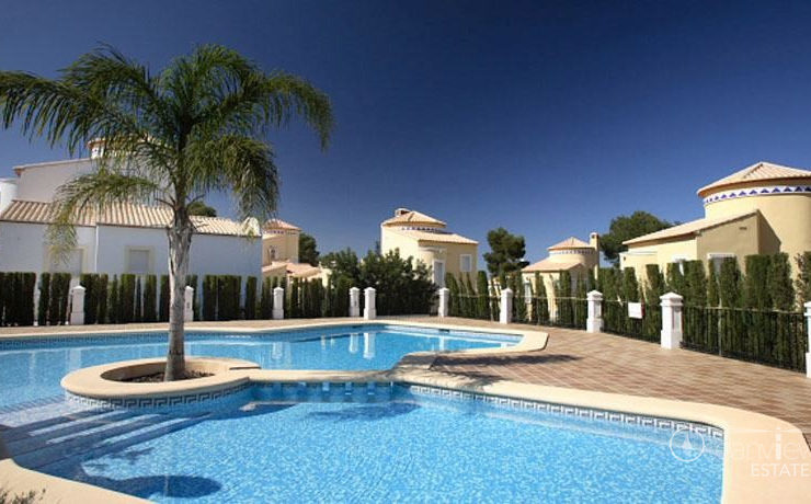 2 bed 1 bath apartment on golf course close to Javea