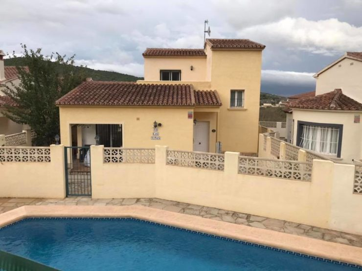 3 Bed Villa with Communal Swimming Pool In Benitachell