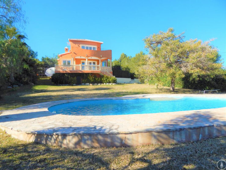 Stunning 3 bedroom villa for sale in Javea with panoramic views