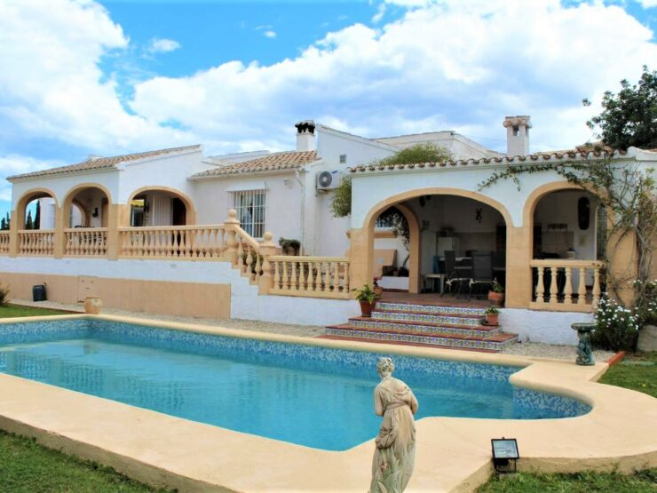 Very Private 4 Bed Villa On a Flat Large Plot in Benitachell