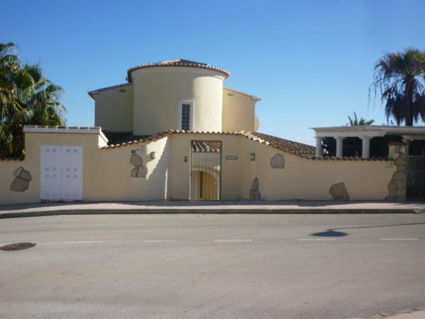 Good Quality 3 Bed Villa With Sea Views on the Benissa Costa