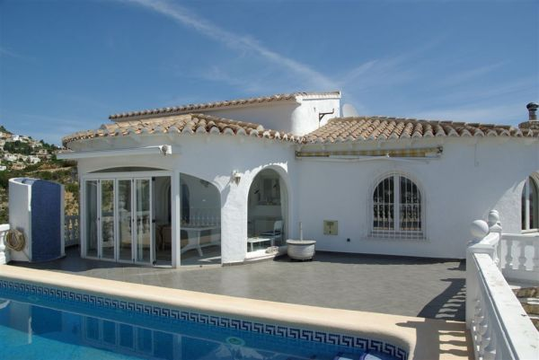 3 bed 3 bath villa with Sea views
