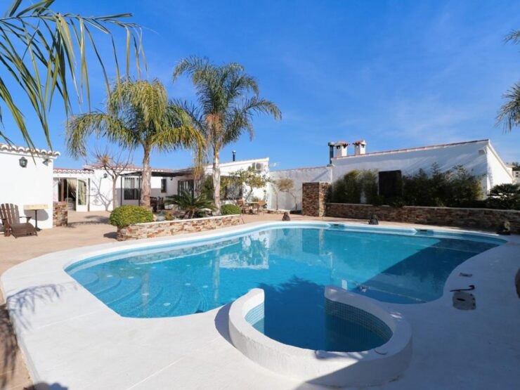 Beautifully Refurbished Luxury Finca in Benissa Close to Neighbouring Towns