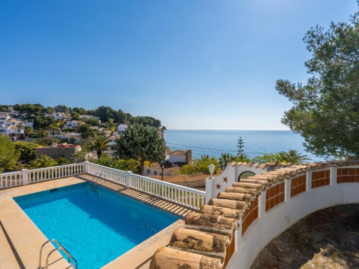 Fantastic 2nd Line Villa Walking Distance to Advocat Beach Close To Moraira
