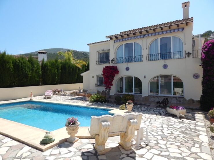 4 bed 3 bath Villa Walking distance to amenities in Moraira