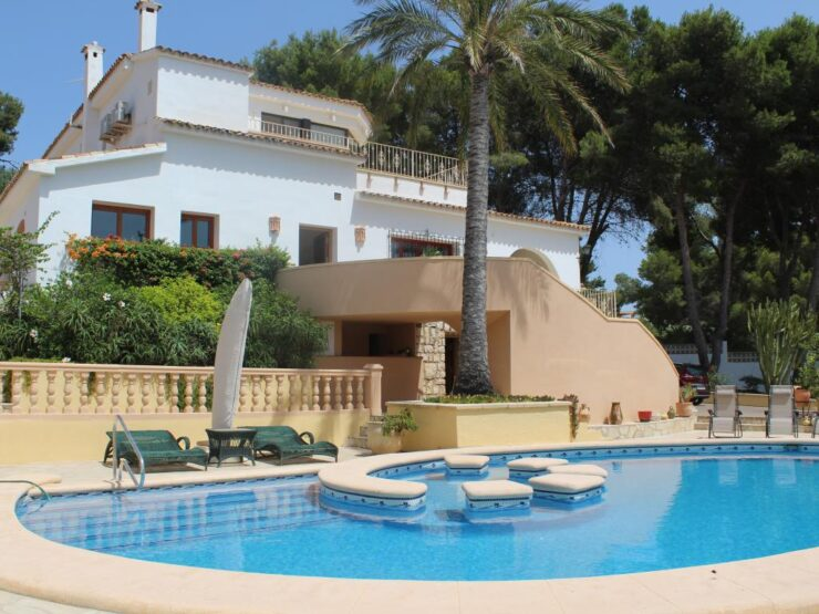 Truly Opulent 4 Bed Villa In One Of the Most Prestigious Locations in Moraira – Pla Del Mar