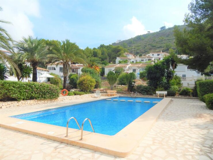 3 bedroom 2 bathroom Townhouse only a 15 minute walk to El Portet Beach in Moraira