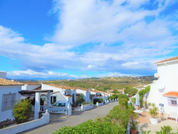 3 bedroom 2 bathroom Detached villa Moraira walking distance to amenities