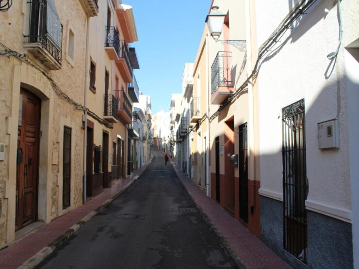 3 Bed Townhouse With a 1 Bed Separate Apartment Needs Some Reform In Benitachell