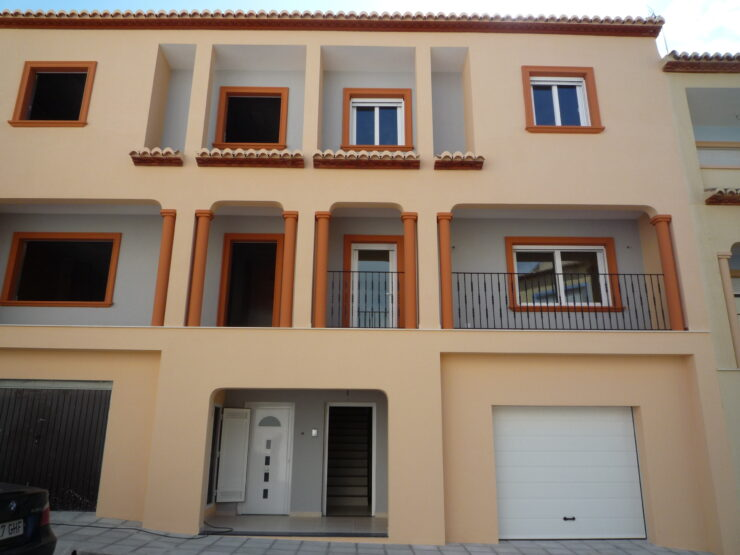 New Build 3 and 4 Bedroom Town Houses in Teulada