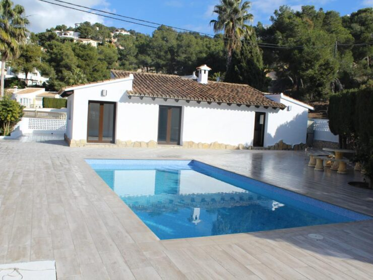 Completely Refurbished 3 bed 2 bath Villa in Moraira Only 400m From Amenities