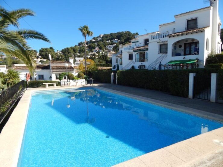 2 bedroom and 2 bathroom Detached villa close to Moraira
