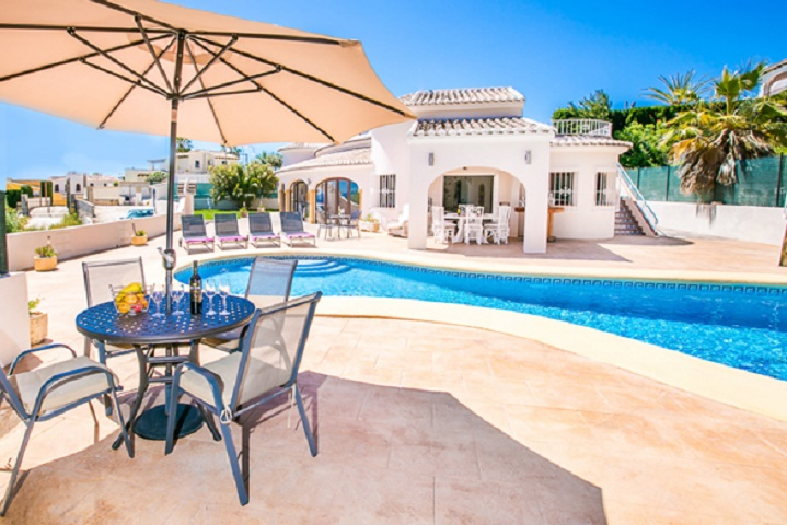 Reformed 4 Bed Villa only 10 mins Walk From Algas Beach & Restaurants In Moraira