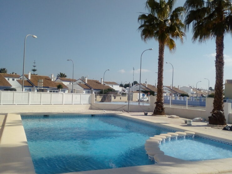3 bedroom 2 bathroom duplex townhouse close to Denia