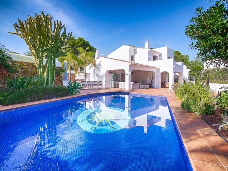 5 Bed Ibiza Style Villa Built To a Very High Standard 300m From The Beach In Moraira