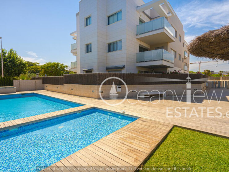 Fantastic 3 Bed Apartment Nearly New Walking Distance to All Amenities in Javea
