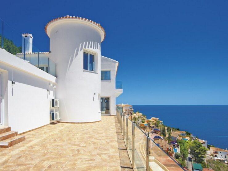 Fabulous villa with incredible views in Javea