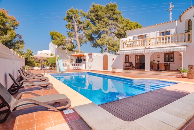 Lovely 5 Bed Villa Close To All Amenities in Cap Blanc, Moraira
