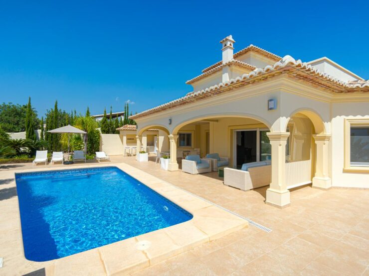 EXCLUSIVE Fantastic 3 Bed Luxury Villa With Sea Views On the Benissa Costa
