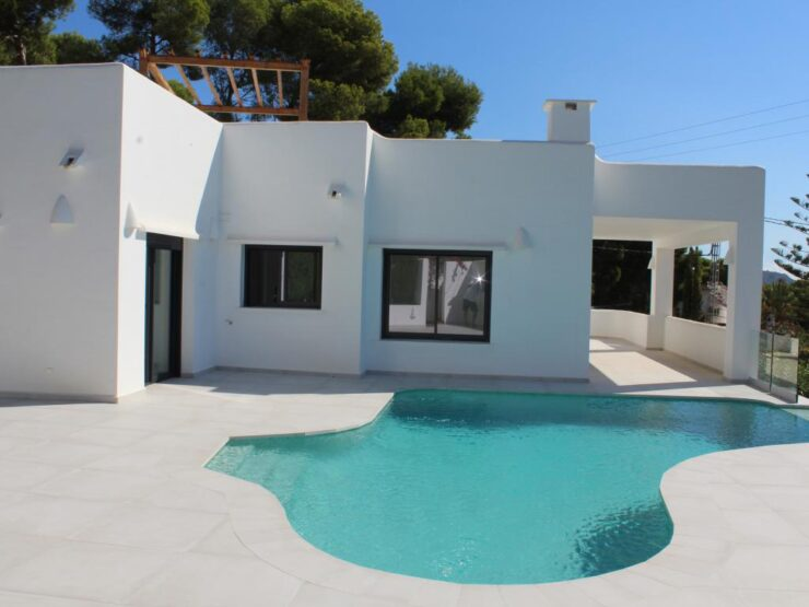 Totally Renovated 3 Bed Villa With Sea Views Walking Distance to Amenities in Moraira