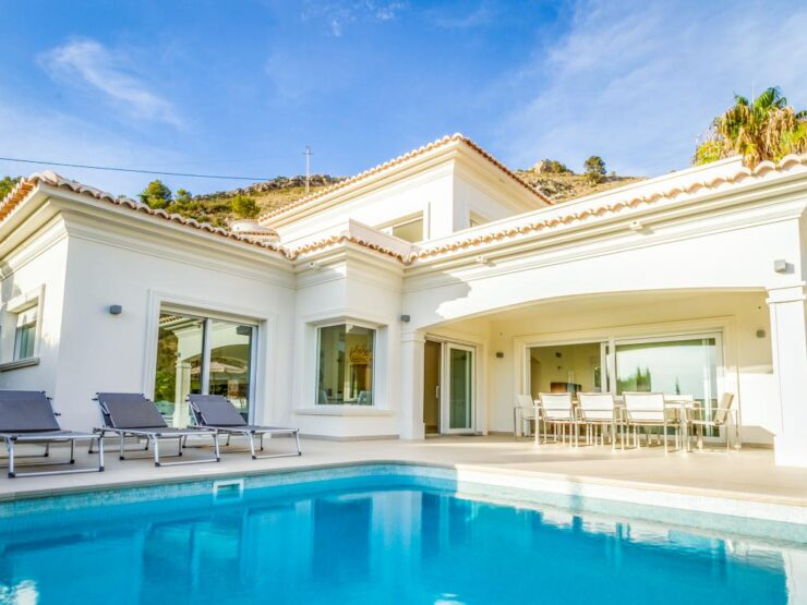 Marvelous Villa in the prestigious area of El Portet