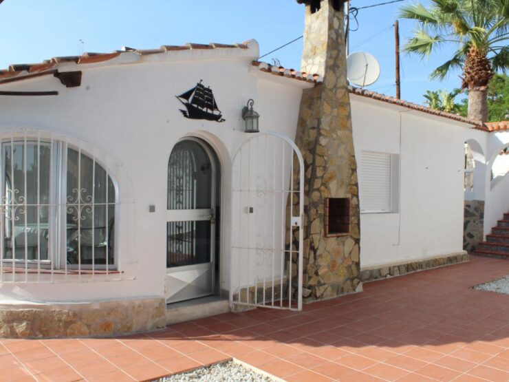 Fully Re- furbished Semi Detached 2 Bed Villa on the Benissa Costa 500m from the Sea
