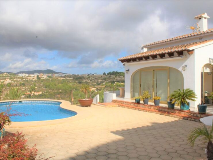 2/3 Bedroom Villa ten minutes drive to Moraira Town