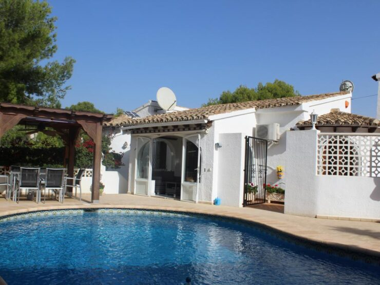 Immaculate 4 Bed Villa With Swimming pool & Many Terrace Areas to Relax in Moraira