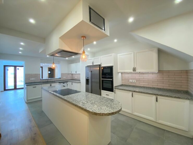 Fantastic 4 Bed Townhouse Totally Reformed To A Very High Standard in Teulada