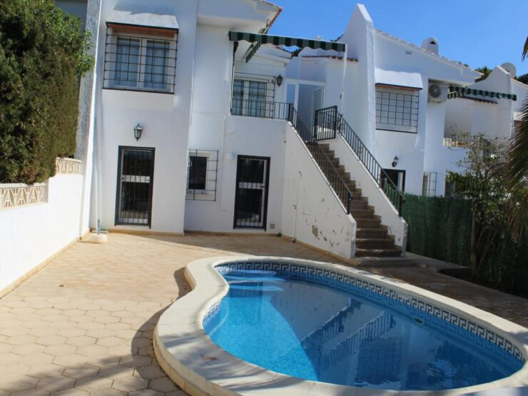 Lovely 2 Bed Townhouse with Private Swimming pool in Moraira