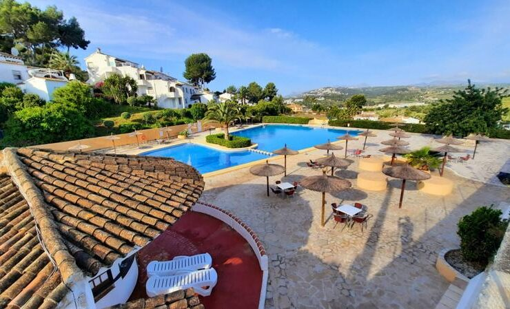 Spotless 3 Bed Apartment With Parking and Communal Swimming pool In Benitachell