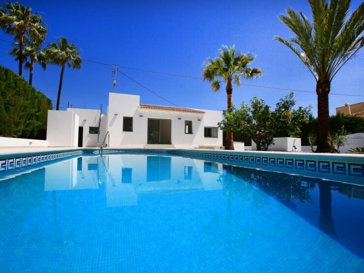 totally renovated 3 bedroom 2 bathroom villa all on one level close to Moraira